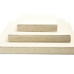 Conjunto expositor cuadrado en lino color beige 4 piezas