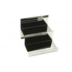 Expositor de acero cromado forma escalera 2 alturas