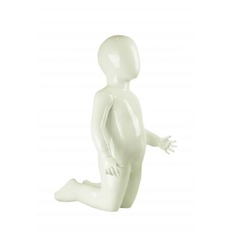 Maniquí infantil de fibra de vídrio arrodillado color blanco brillo