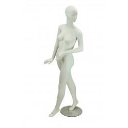 Maniquí de mujer fibra de vídrio blanco mate con facciones y pierna adelantada